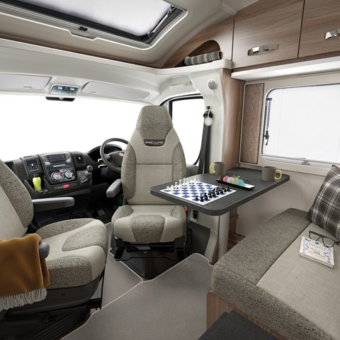 Escape Compact C404 Front Lounge