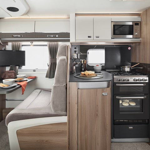 Kon-Tiki Sport 560 Kitchen