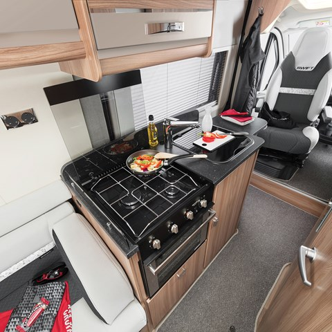Select 122 Kitchen With Drivers And Lux Pack