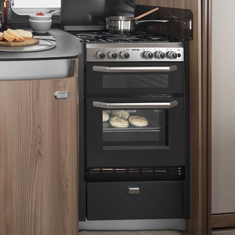 Kon-Tiki Sport 560 Oven And Hob